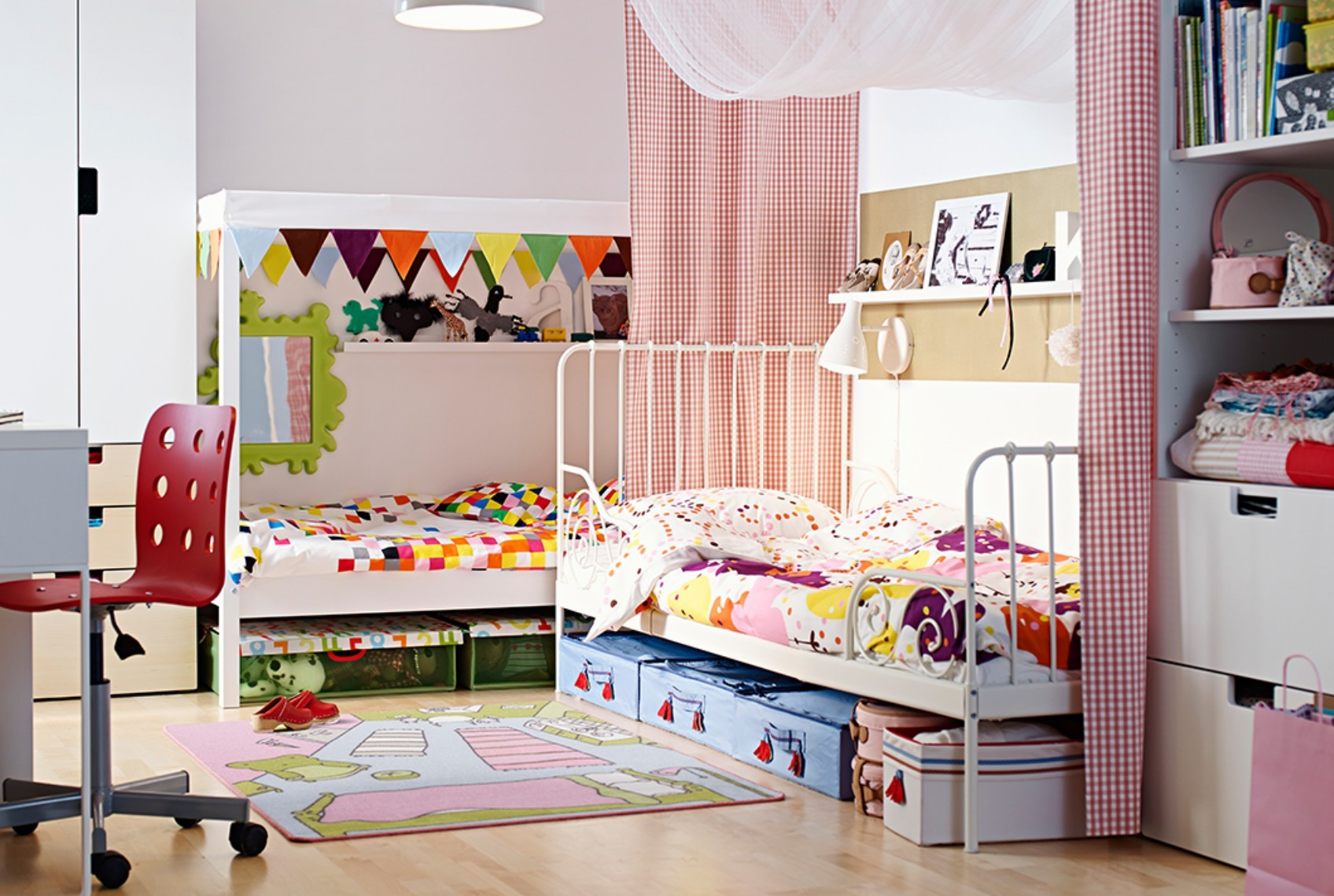 Vintage-furniture-brings-unique-magic-into-a-modern-kids-room-