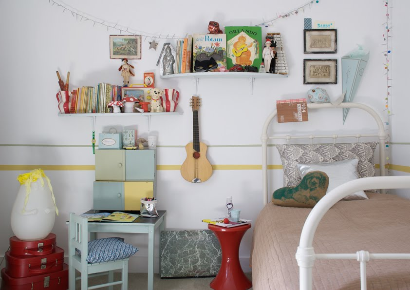 Vintage-kids-room-with-beautiful-outdated-pastel-pieces