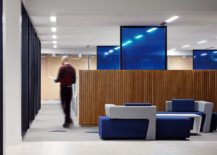 Wood-brings-warmth-to-an-otherwise-slick-contemporary-office-217x155