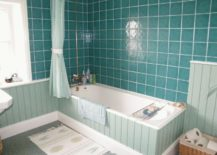 A-bathroom-that-is-a-blend-of-different-turquoise-hues-217x155