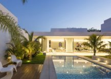 Contemporary-outdoor-chairs-and-small-side-table-for-the-poolside-deck-217x155