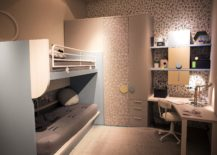 Corner-workstation-with-modular-shelving-in-the-small-kids-bedroom-217x155