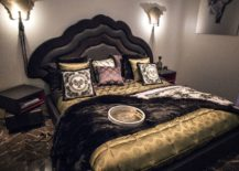 Dashing-contemporary-bedroom-in-black-and-gold-217x155