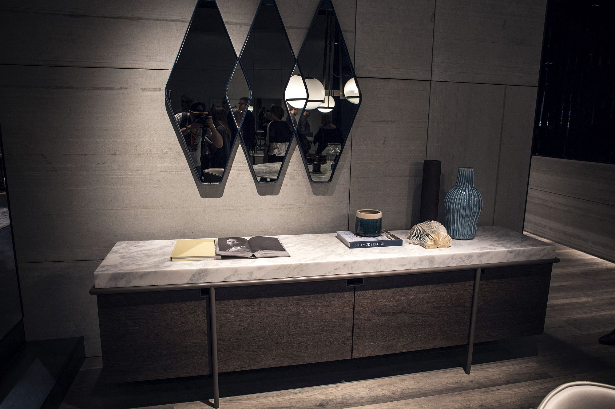 Diamond shaped mirrors bring geo contrast to the modern interior