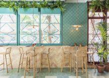 Exqusite-use-of-blue-brings-Mediterranean-flavor-to-the-Spanish-pizzeria-217x155
