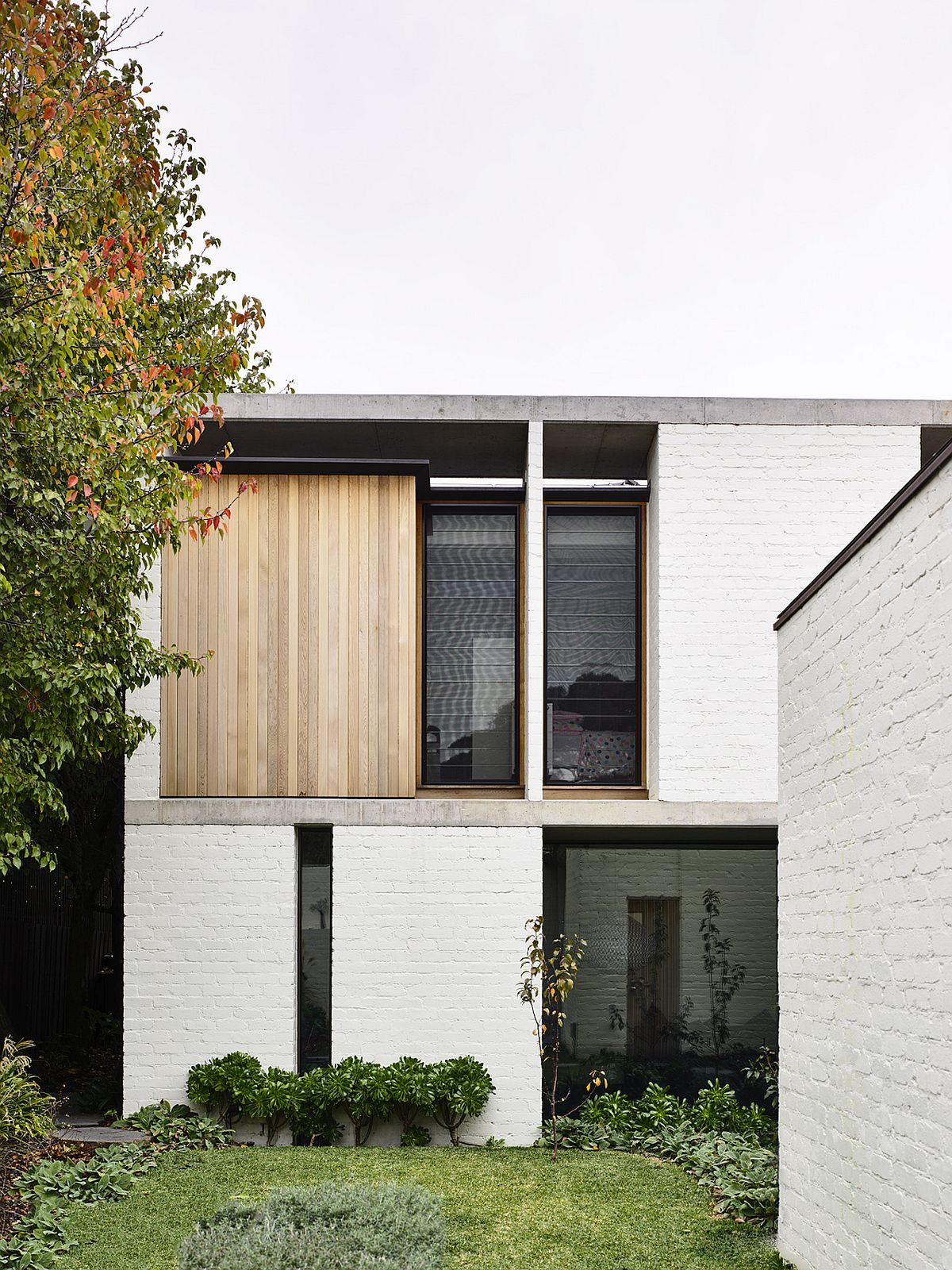 Garden-of-the-house-becomes-part-of-the-interior