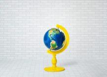 Globe-stand-217x155