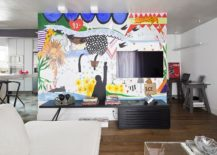 Graffiti-wall-becomes-focal-point-of-the-bold-modern-living-room-217x155