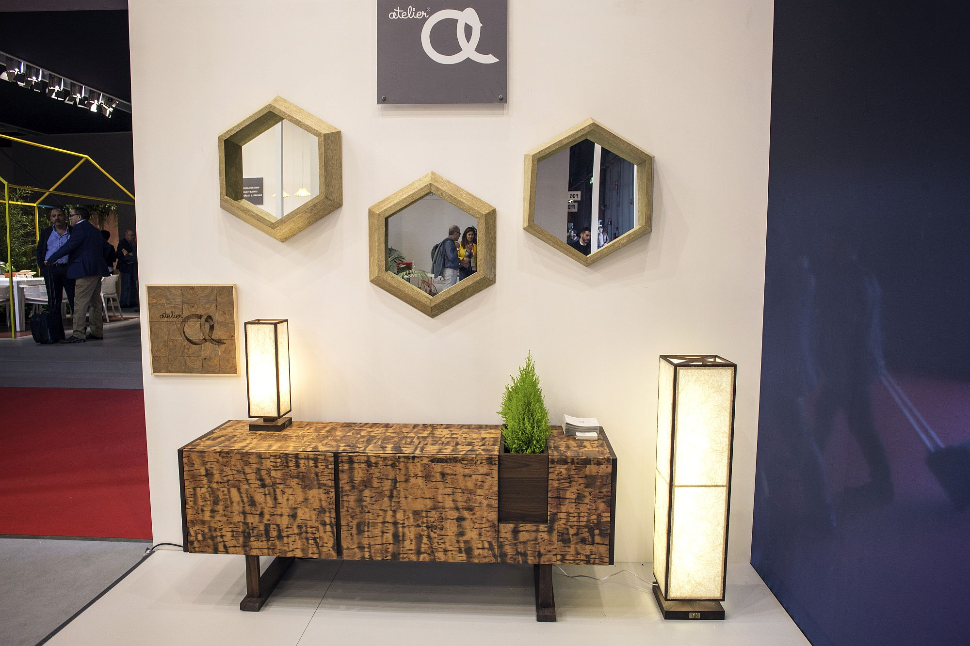 Hexagonal mirror frame is a smart and trendy choice