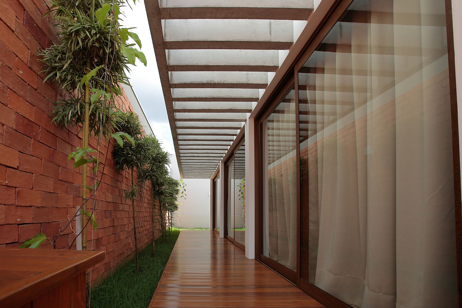 Long walkways around the house with ample shade