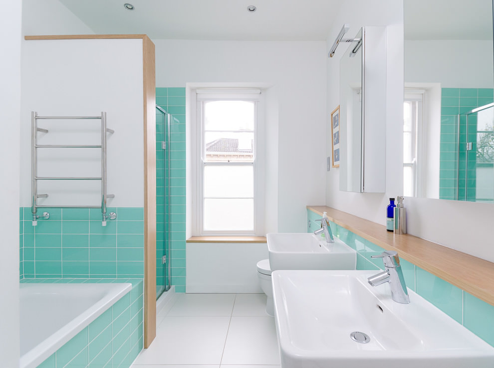 Luminous turquoise and white bathroom