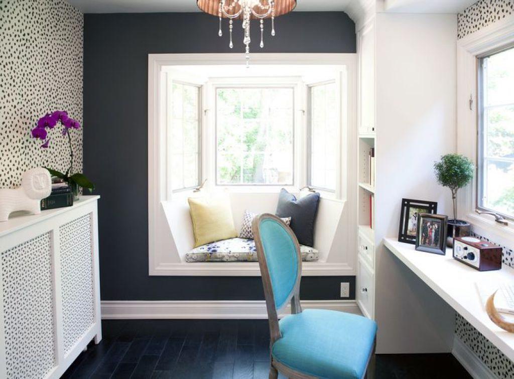 Luminous-window-seat-opens-up-the-room