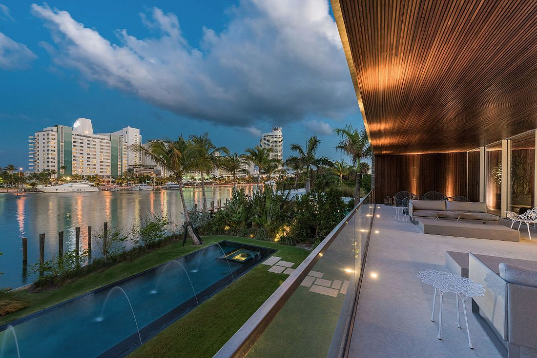 Luxurious Miami Beach House with indoor pool and man-made lagoon