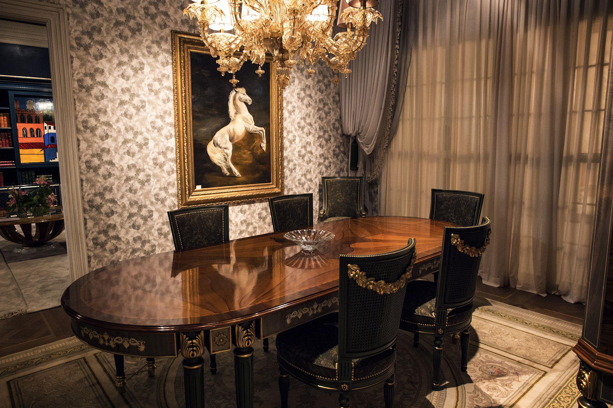Luxury classic dining room from Italian decor make Medea