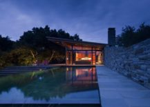 Magical-guest-house-in-California-surrounded-by-plenty-of-greenery-217x155