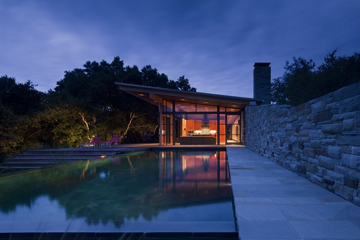 Magical guest house in California surrounded by plenty of greenery