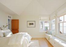 Minimal-and-unobtrusive-long-window-seat-217x155
