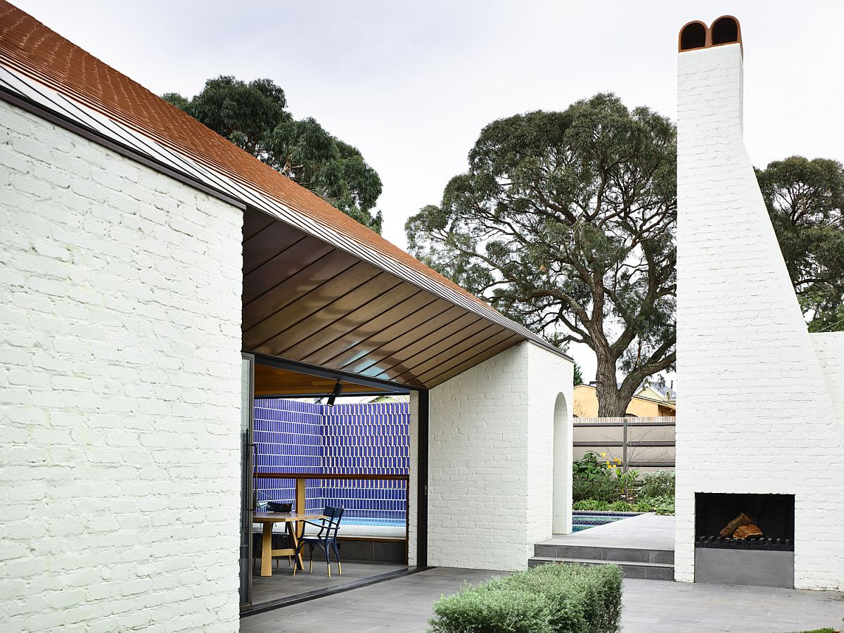 Modern home in Melbourne with Edwardian neighborhood