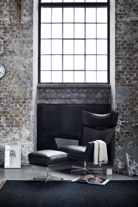 Oksen with footstool Black