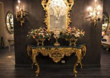 Ornate-gold-frame-of-the-mirror-brings-back-regal-Victorian-style-217x155