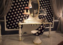 Oval-shaped-mirror-with-bronze-frame-looks-great-in-both-teen-and-feminine-bedroom-217x155