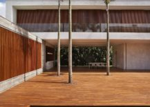 Pool-area-and-large-central-courtyard-of-the-spacious-Brazilian-family-house-217x155