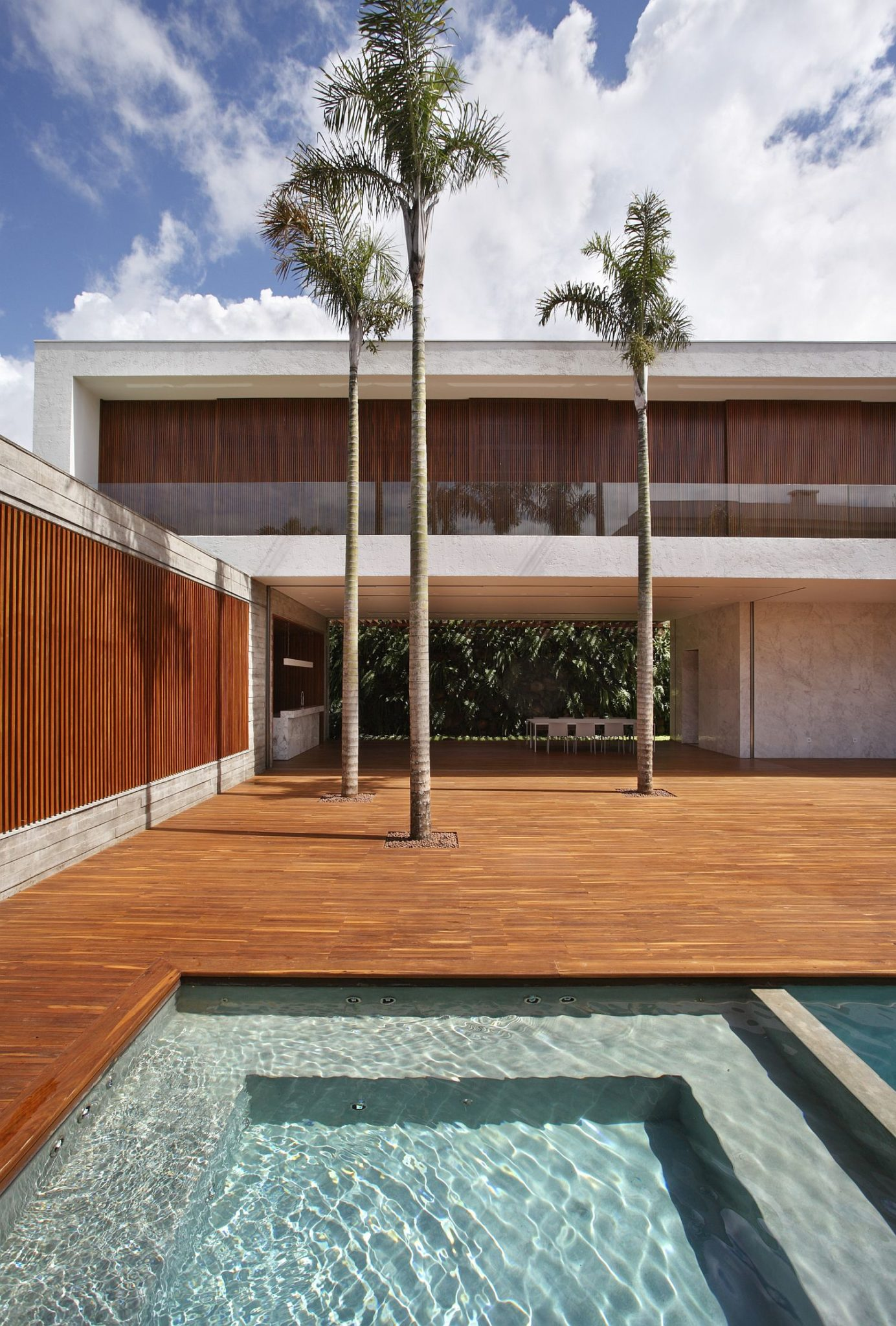 Pool area and large central courtyard of the spacious Brazilian family house
