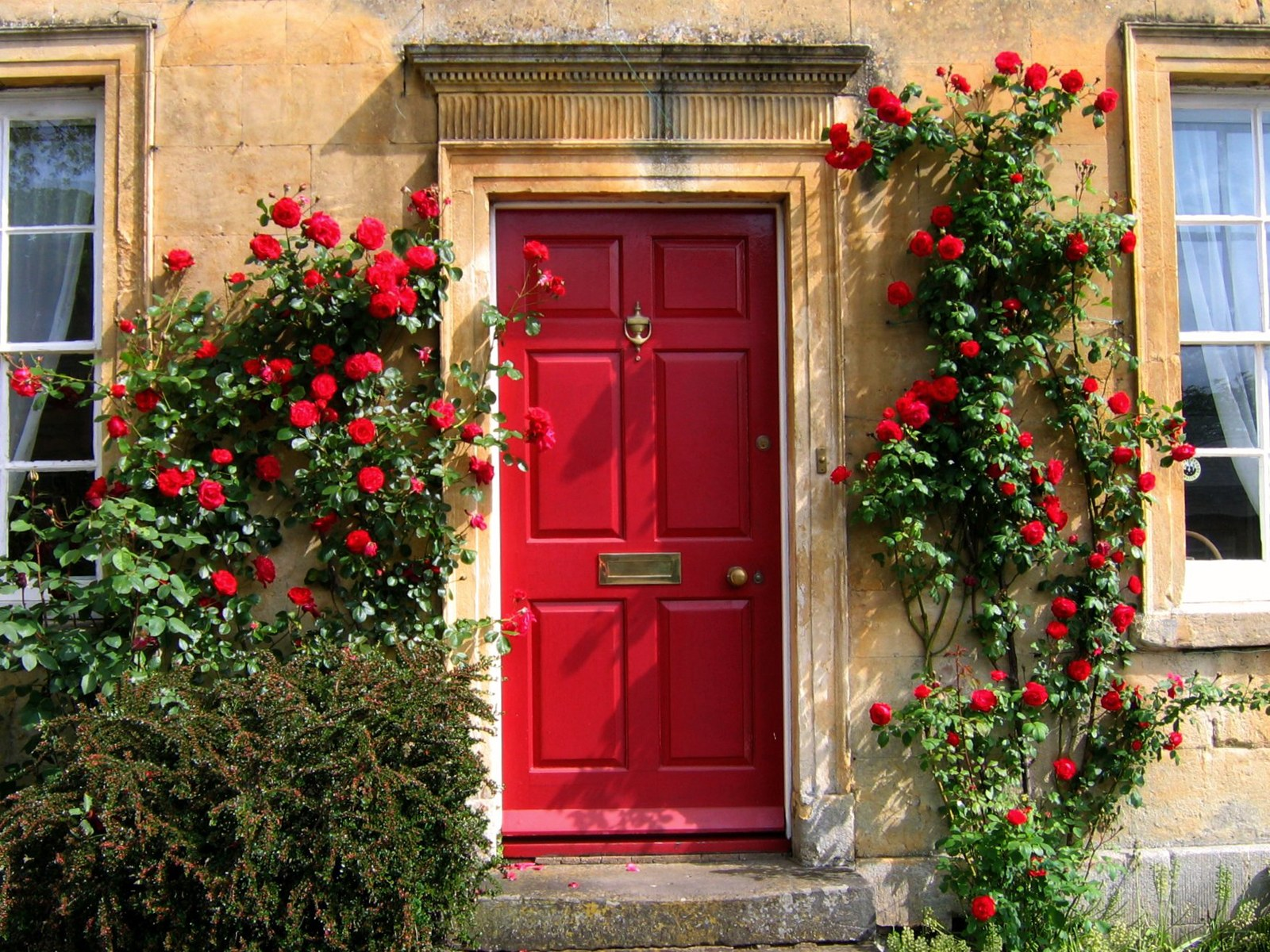 Red front doors for homes - Noticeable And Vibrant