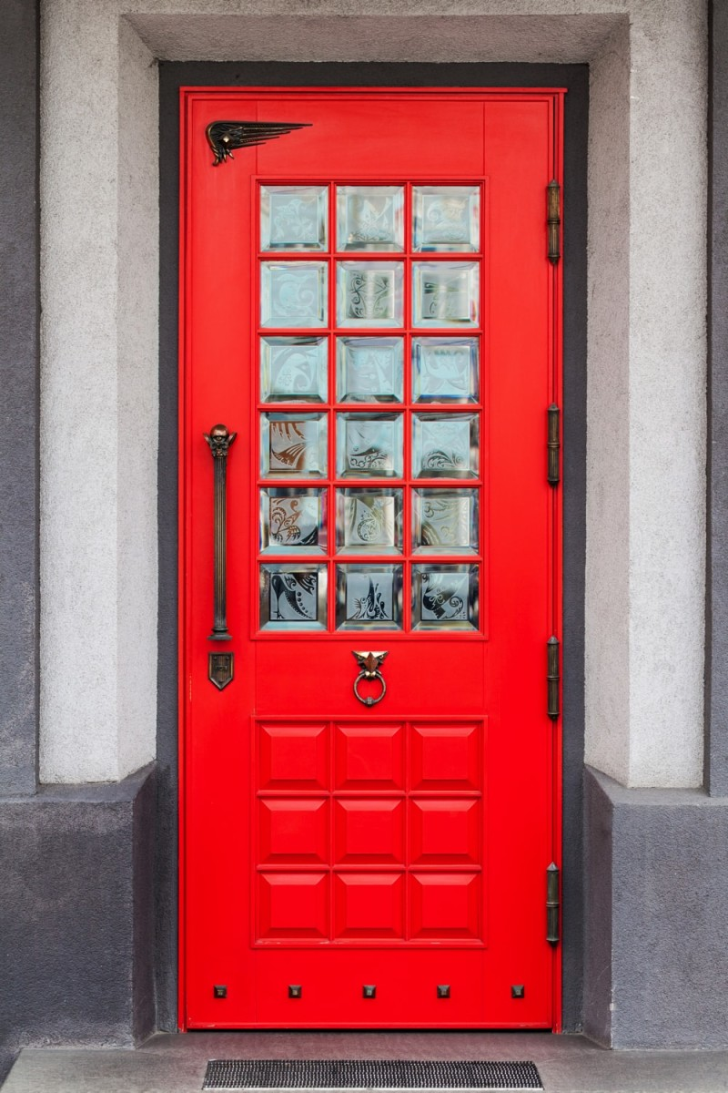 & Creating a Charming Entryway with Red Front Doors