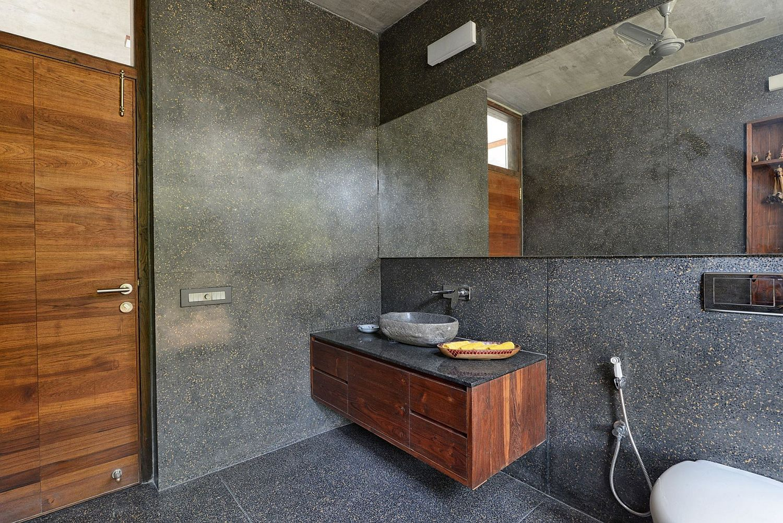 River washed black granite for the modern bathroom