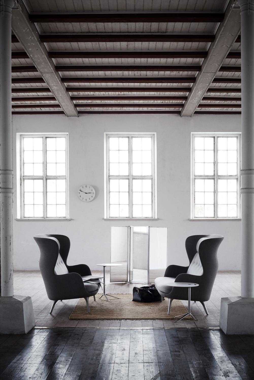 Ro Sofa Warm grey