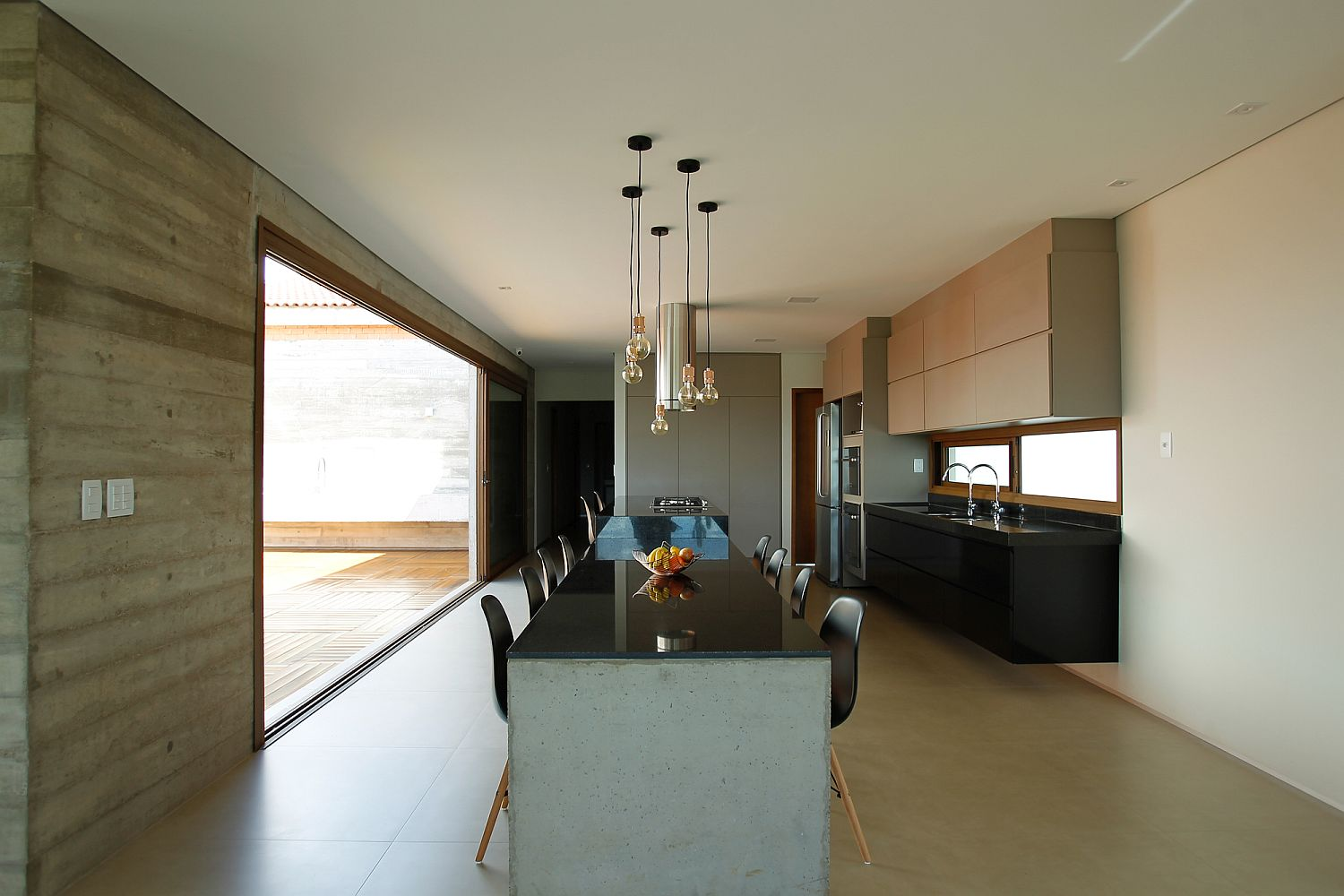 Simple-and-industrial-style-Edison-bulb-lighting-for-the-kitchen