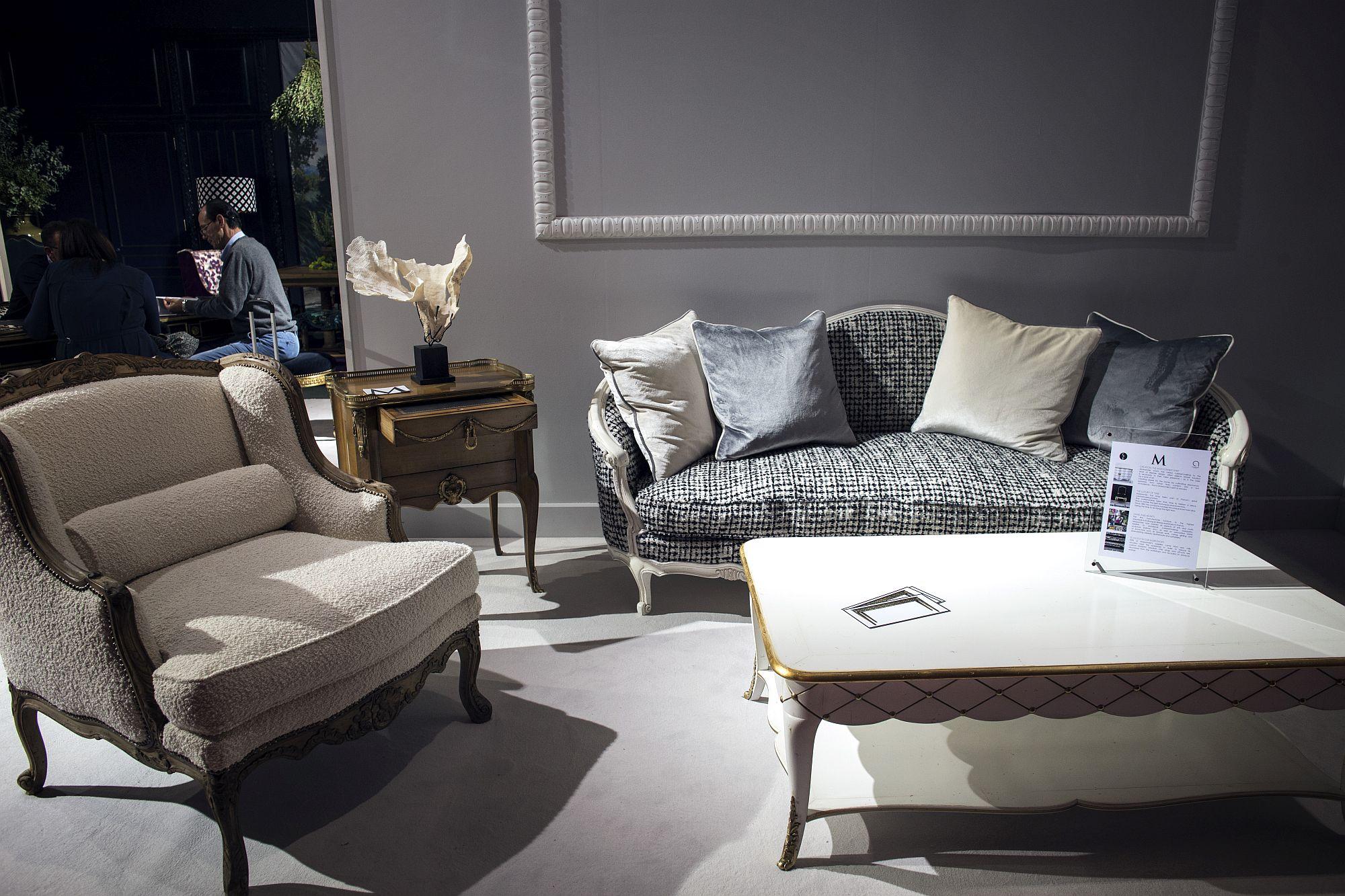 Terrific Modern Black And White Couch Shopping Smart Modern Sofas In Machost Co Dining Chair Design Ideas Machostcouk