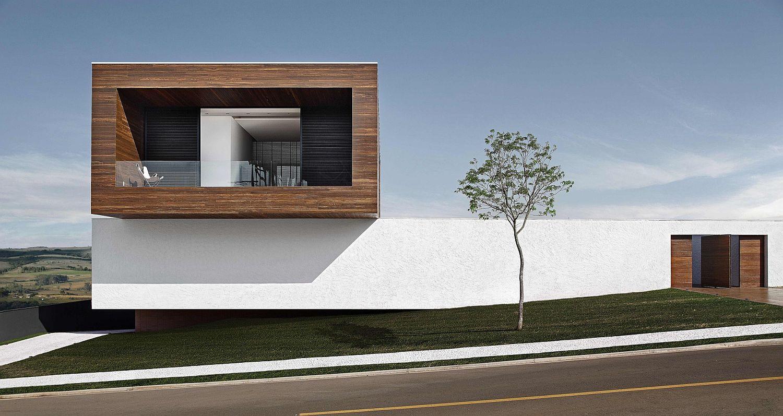 Street facade of the LA House in Brazil