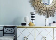 Sunburst-mirror-gives-the-room-a-glamorous-and-sophisticated-look-217x155