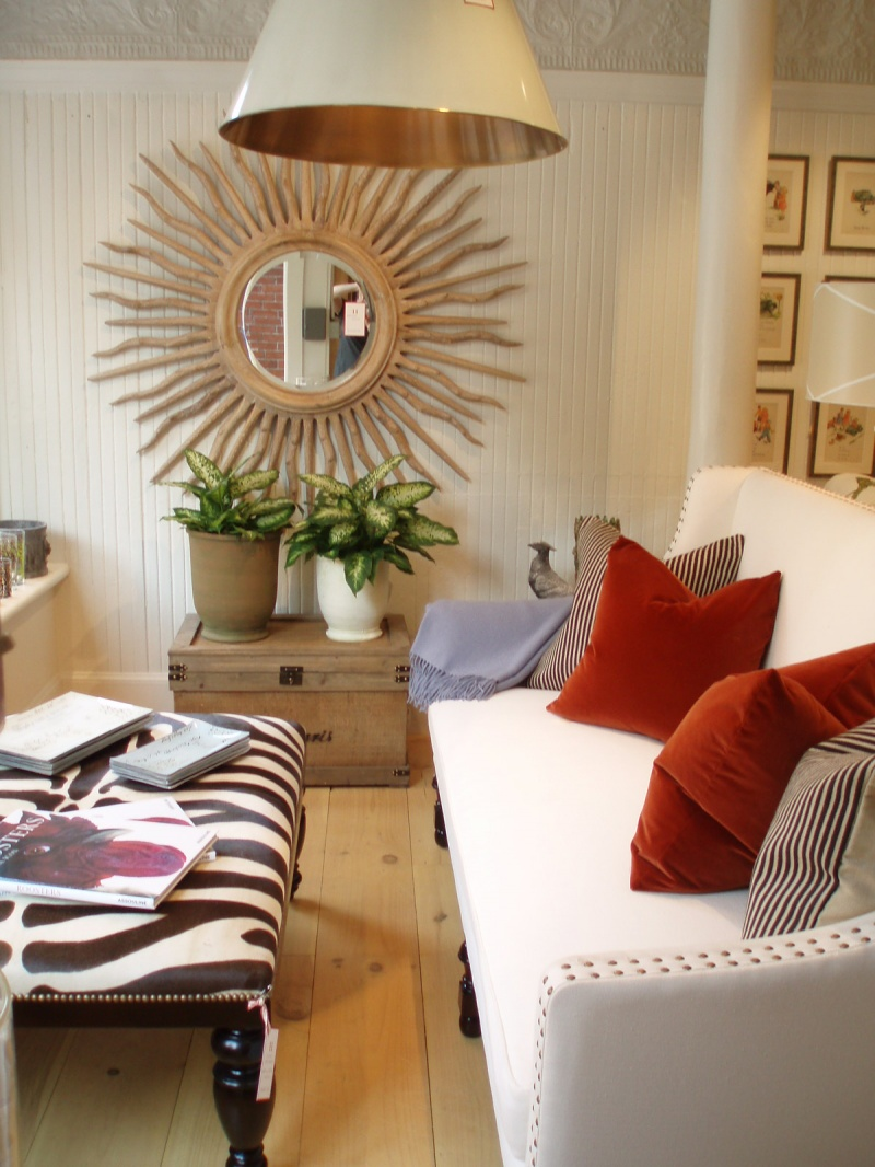 30 exceptional ideas for decorating with a sunburst mirror for Mirror decor