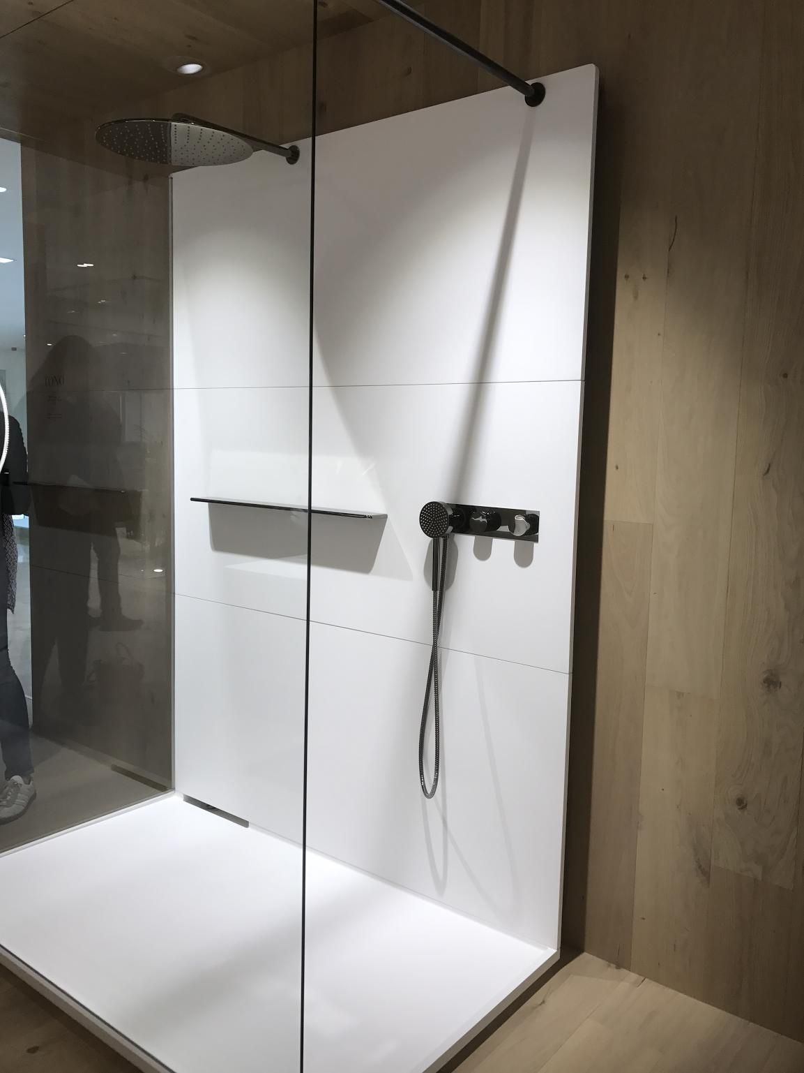 Tono-collection-shower-area