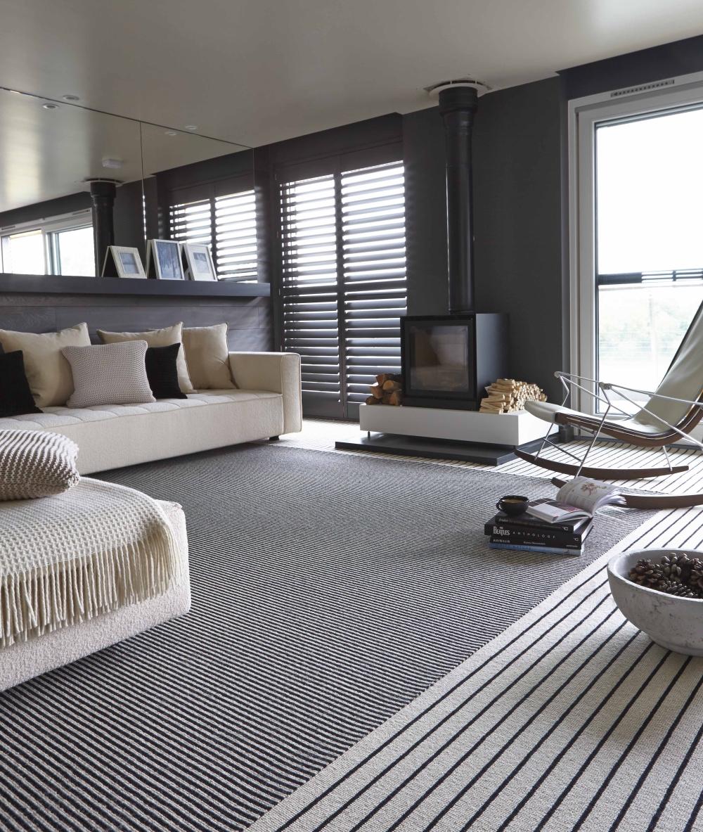 Monochrome elegance 30 black and white striped rugs - Black white striped carpet ...