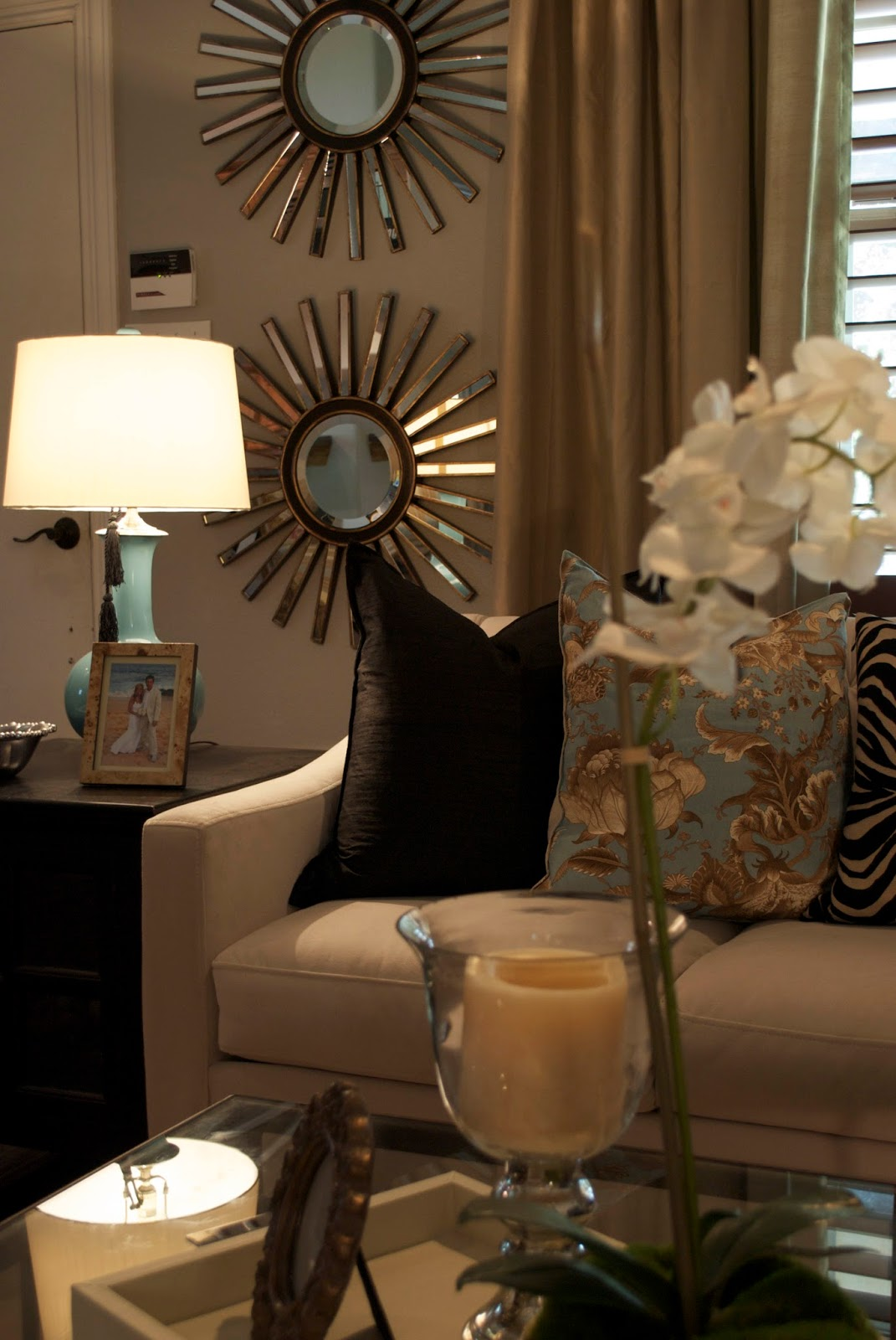 30 exceptional ideas for decorating with a sunburst mirror for Home decorating mirrors