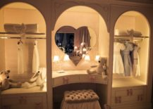 Ultra-cute-heart-shaped-mirror-in-the-white-and-pink-bedroom-217x155