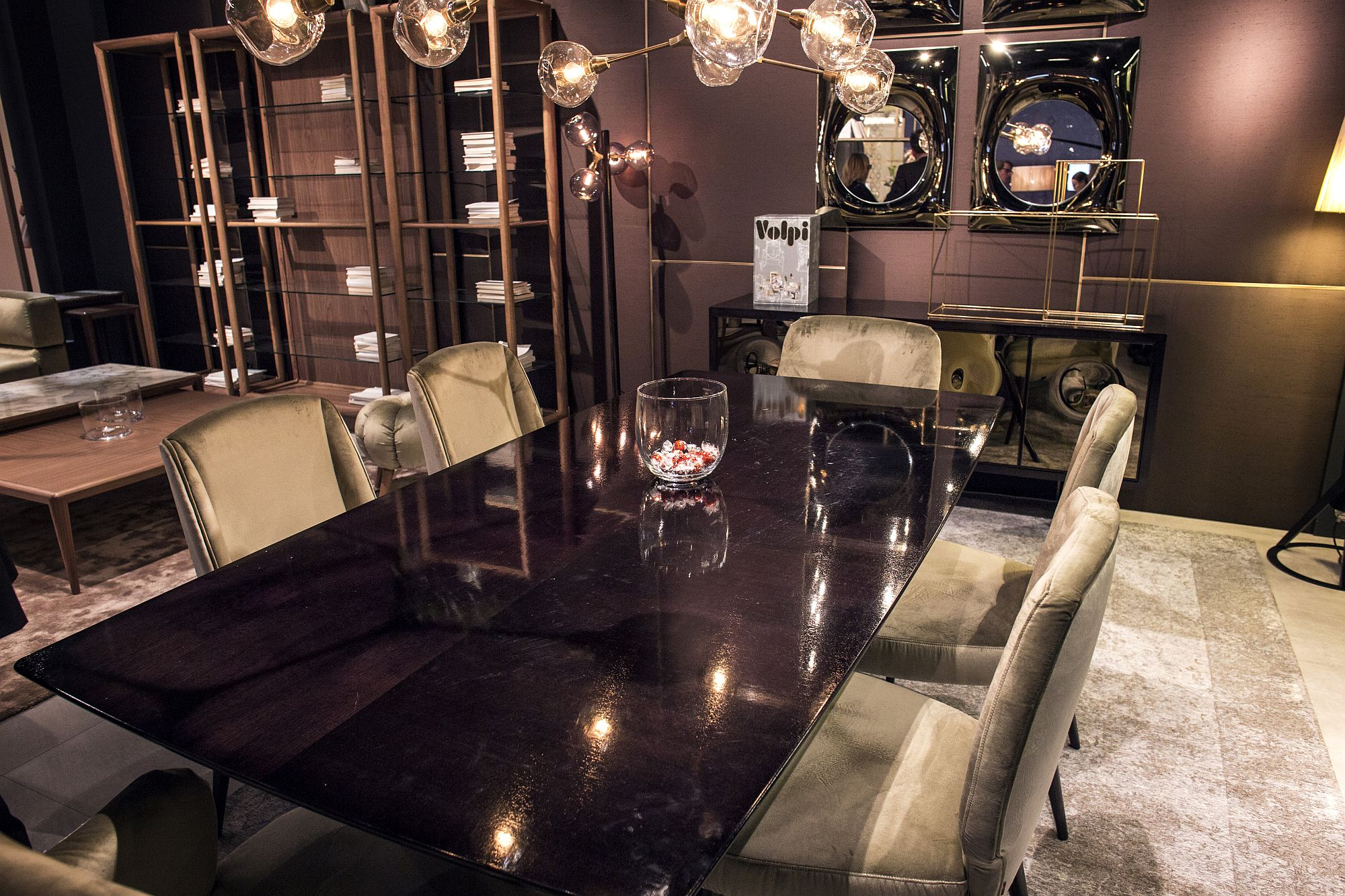 Volpi-brings-an-air-of-exquisite-elegance-to-the-modern-dining-room