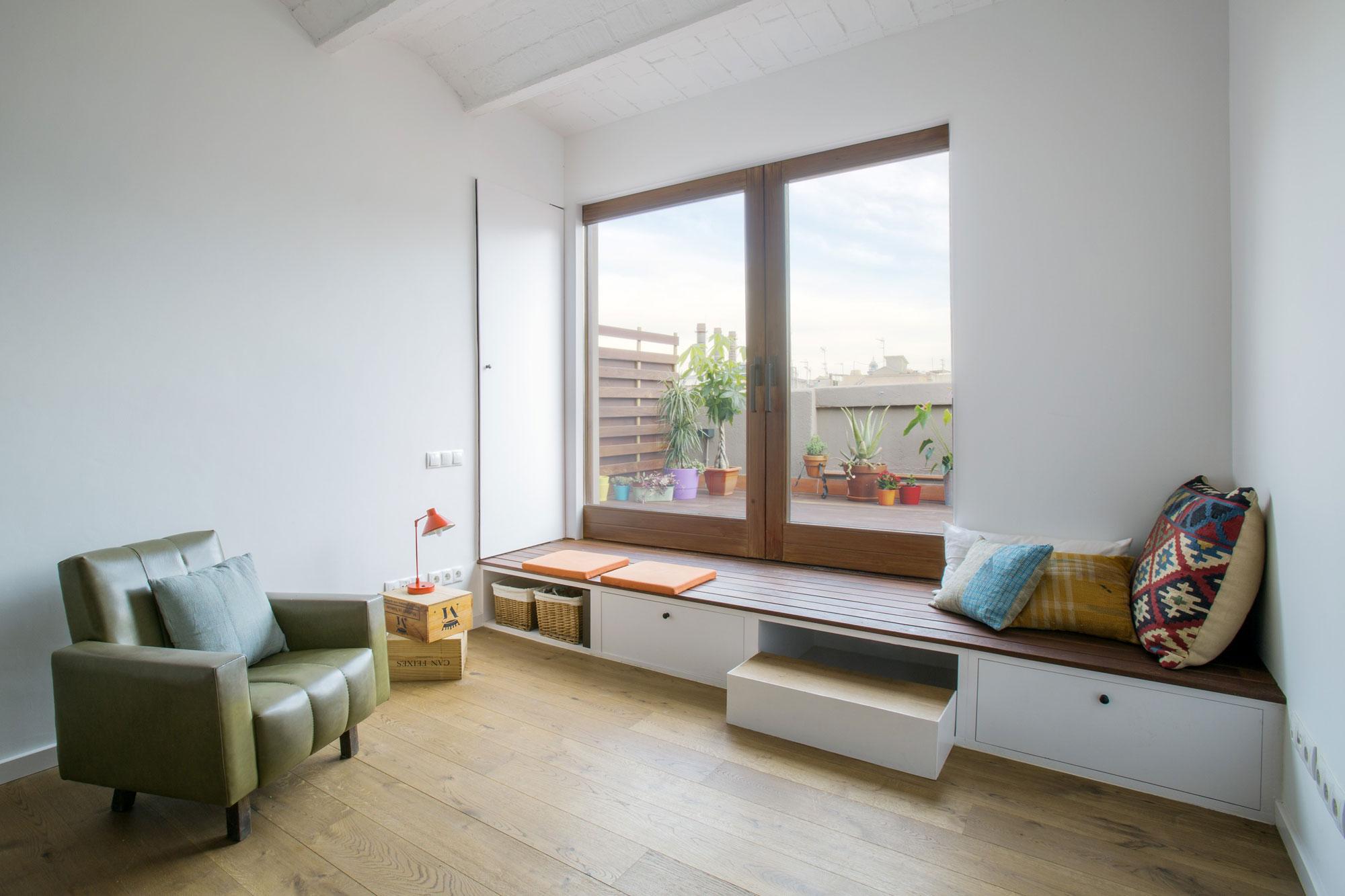 Window-seat-with-simplistic-design-