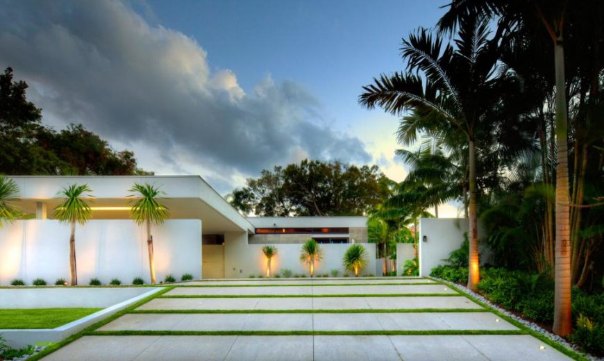 30 Homes That Show Off Their Top-Notch Modern Driveway