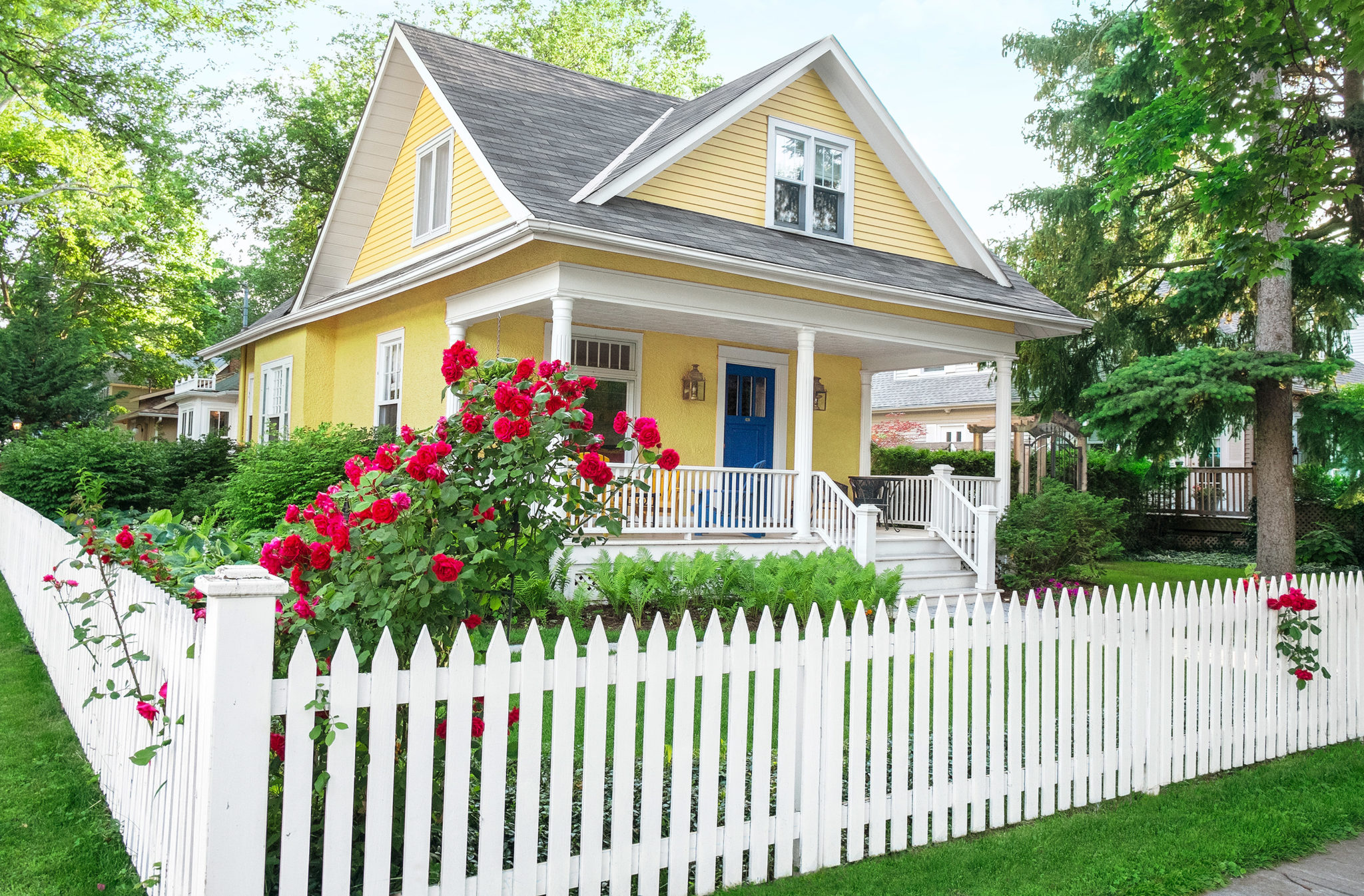 living the american dream with a white picket fence. Black Bedroom Furniture Sets. Home Design Ideas