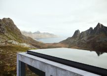 Awesome heated infinity pool on top of the off grid house 217x155 Infinity House: A Spectacular Window into Secluded Norwegian Landscape