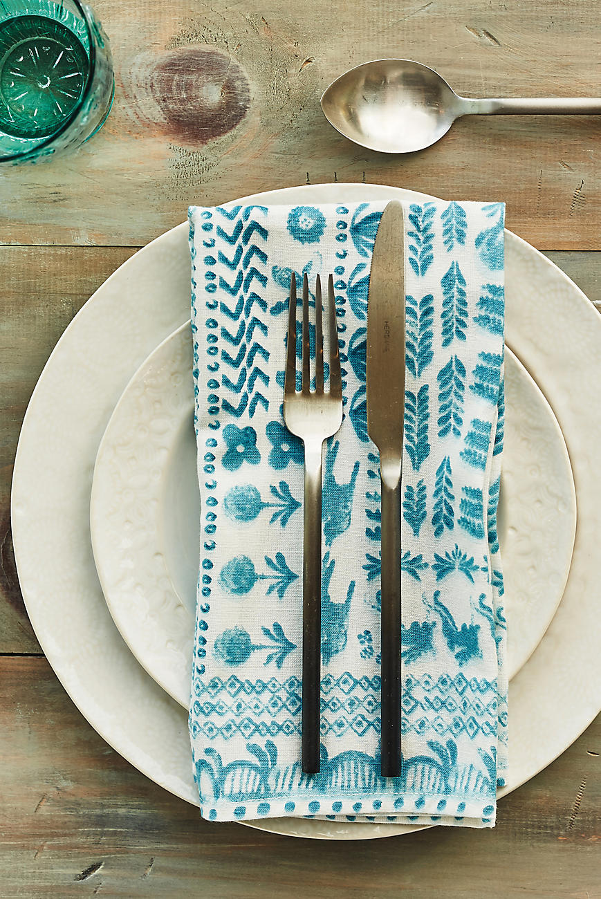 Beachy-table-setting-for-summer