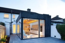 Copeland Grove: A Tantalizing Timber, Charred Wood and Glass Extension