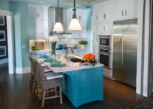 Cheerful-coastal-style-kitchen-in-white-and-blue-with-a-beautiful-island-217x155