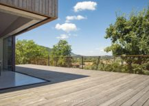 Corner-of-the-BB-with-sliding-glass-doors-brings-outdoors-inside-217x155