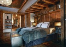 Cozy-bedroom-of-the-luxury-French-chalet-in-Val-d'Isère-217x155